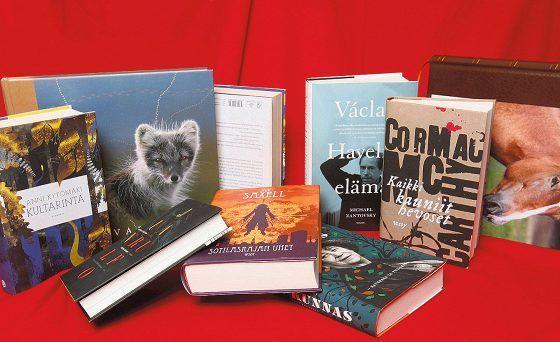 Helsingin Sanomissa on arvioitu vuoden aikana noin 400 kirjaa. Ohessa kriitikoiden omat suosikit.