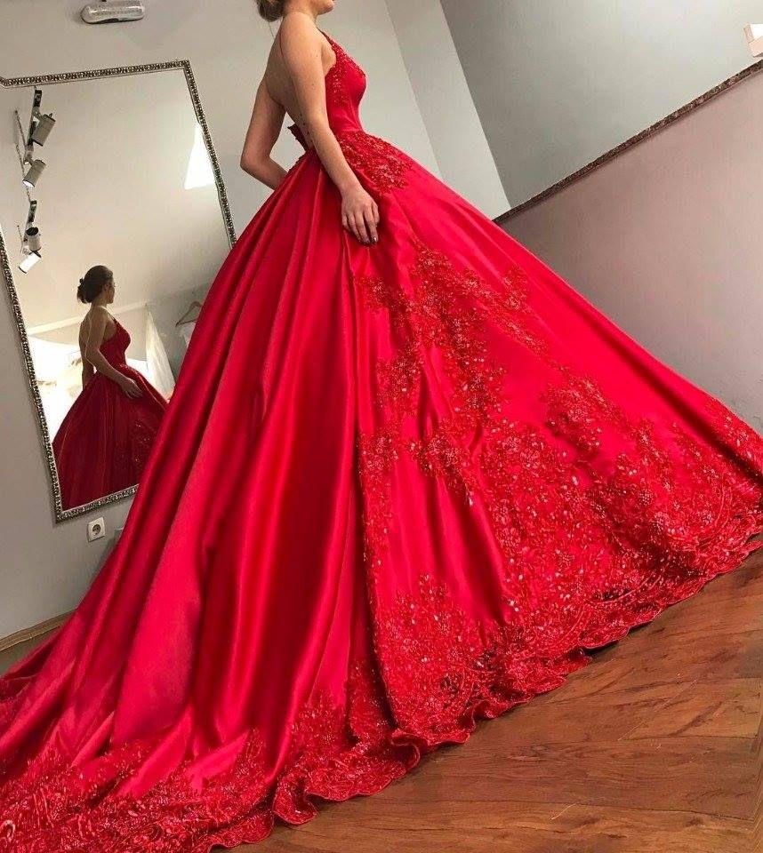 Hochzeitskleid In Rot – Valentins Day  Brautkleid designer