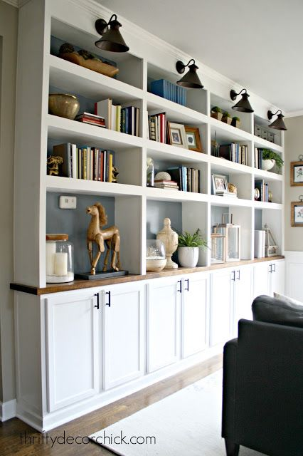Love The Huge Wall To Wall Bookcases In This Home Office Home Office Decor Bookshelves Built In Home Decor