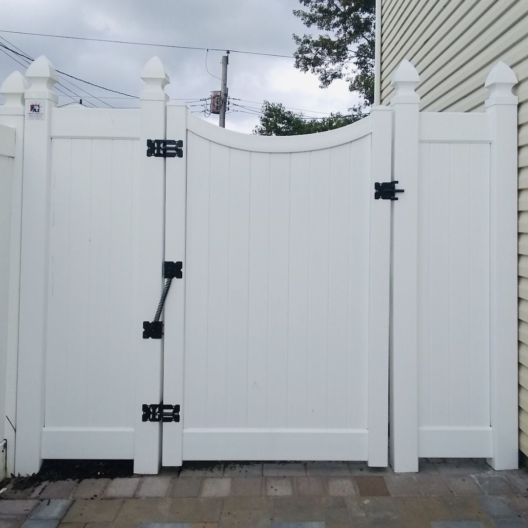 6 Gate With Inverted Curved Top In 2020 Fence Gate Pvc Fence Gate