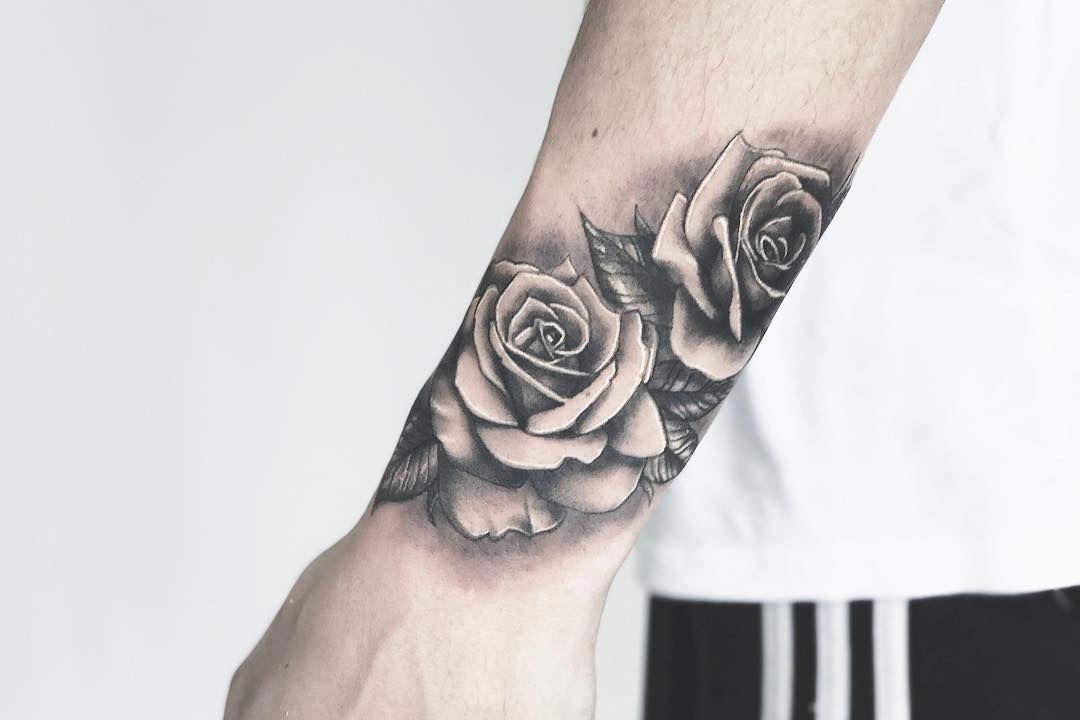 Wrist Tattoo Design Bracelettattoomen Wrist Tattoos For Guys Rose Tattoos On Wrist Wrist Tattoos Girls