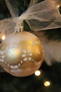 Stenciled Lace Ball Ornaments | AllFreeChristmasCrafts.com
