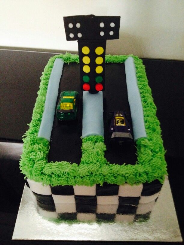 Drag Strip Cake By Mitchie S Cupcakes Cakes Racing Race Car