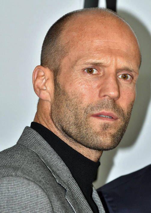 CUTE HAIR Jason Statham. Nämä ovat kuuman kesäkollin hiustyylit - päivitä omasi kuntoon!