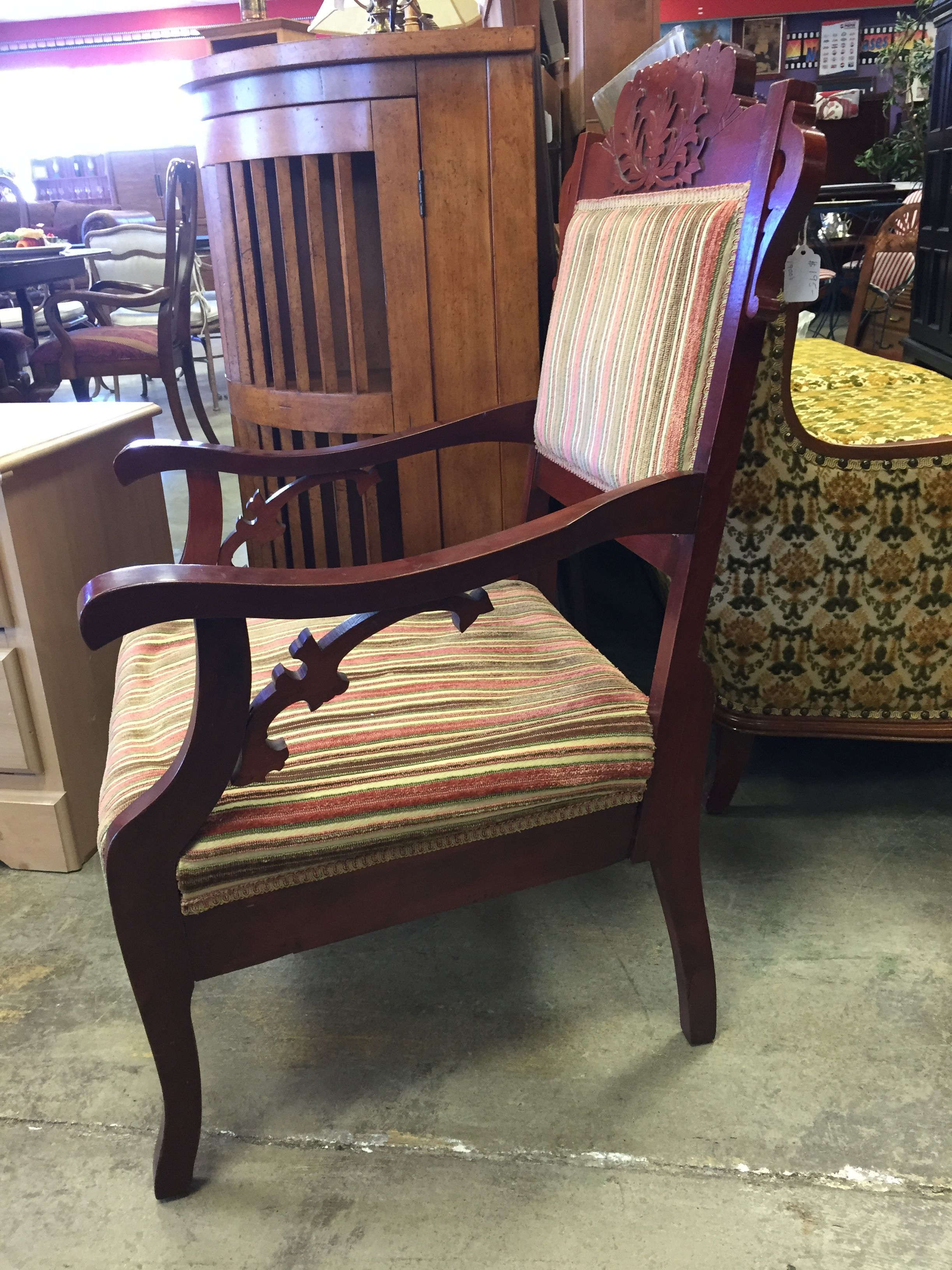 1900's accent chair 195 home house apartment chair