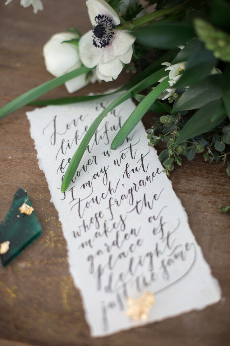 Beautiful wedding calligraphy | fabmood.com #wedding #weddingstyledshoot #weddingphotos #weddinginspiration #weddingphotography #fineartwedding #fairytalewedding