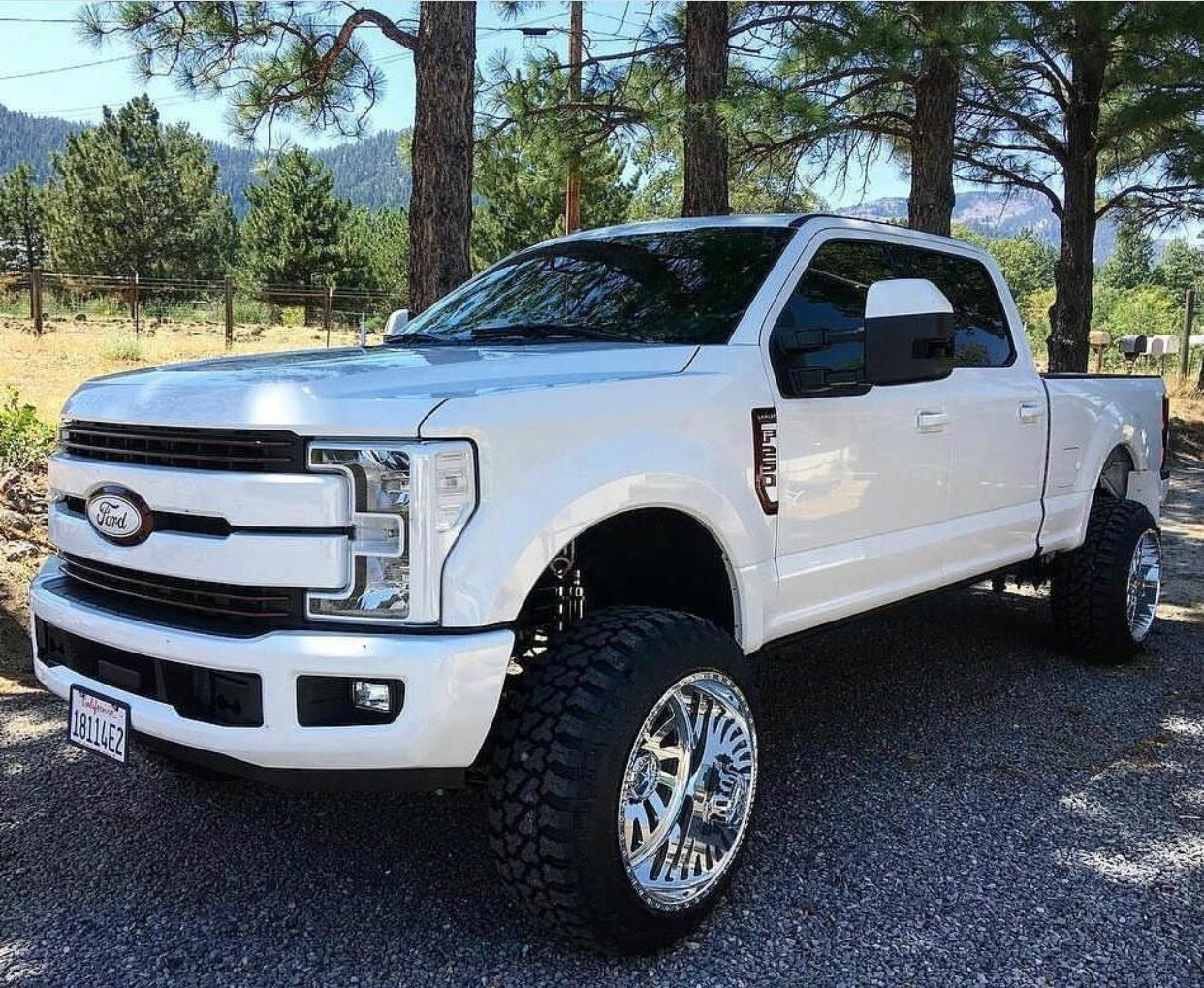White Out Lifted 2017 Ford F250 Powerstroke Diesel Ford Trucks