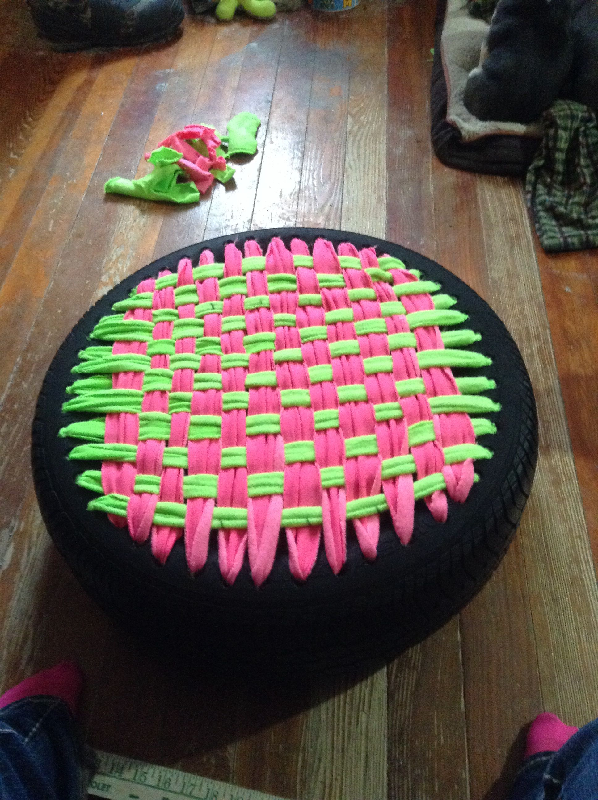 Repurposed a tire into a pet bed. Super easy. upcycling