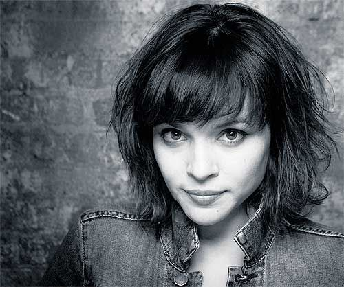 norah jones she's 22 перевод