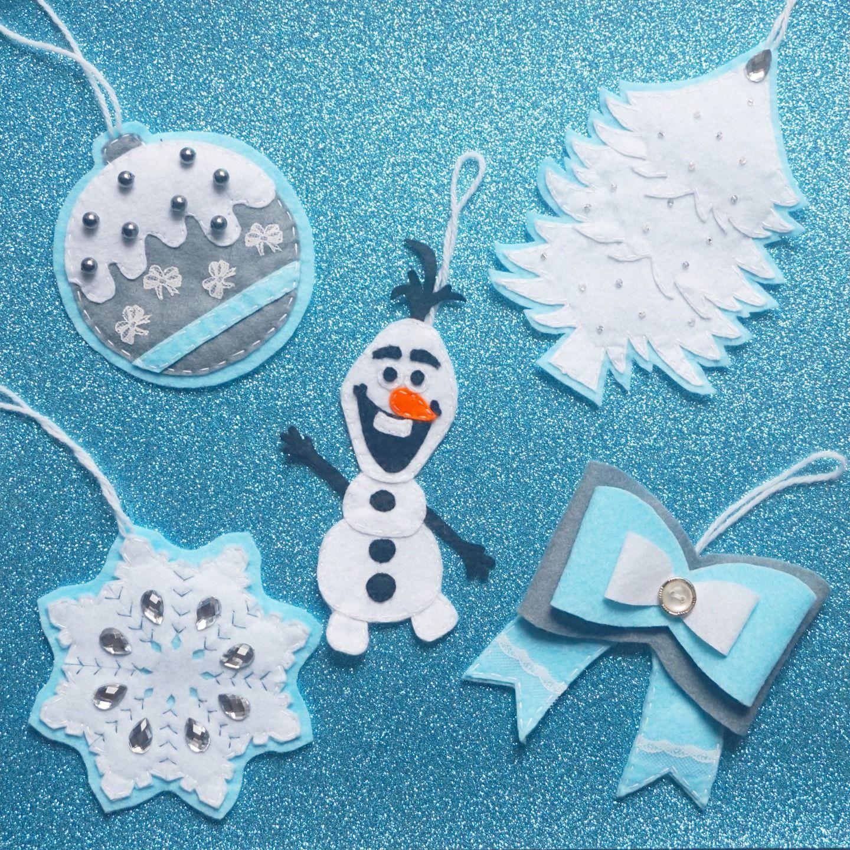 Christmas diy boules de no l en feutrine la reine des for Decoration porte reine des neiges