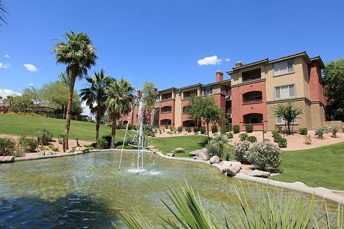 602 522 1271 1 2 Bedroom 1 2 Bath Red Rox Villas 5401 E Van Buren St Phoenix Az 8500 Contemporary Apartment Apartments For Rent Metro Apartment