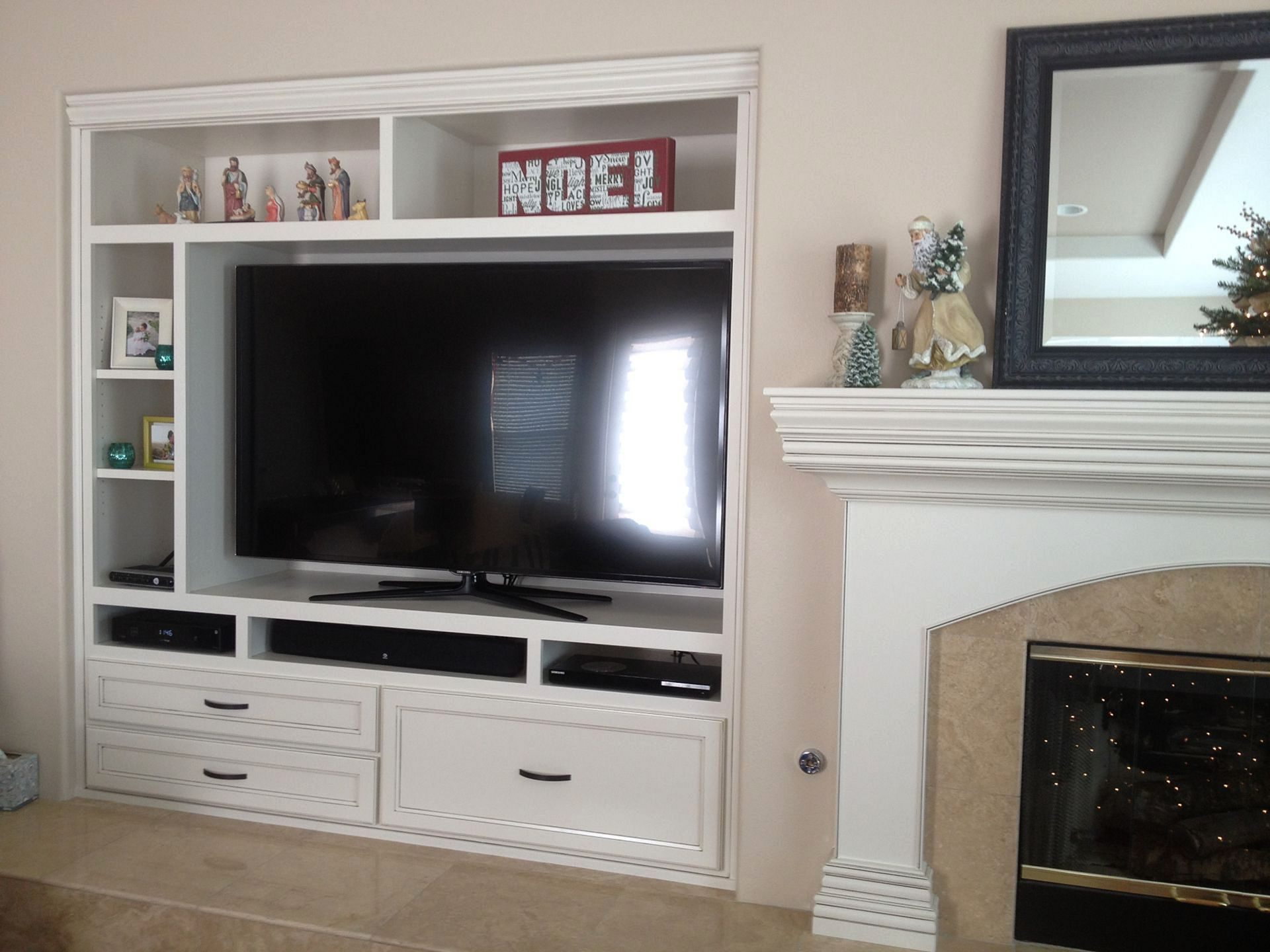 Best 45 Excellent Entertainment Center Storage Solution For Your Home Https Built In Entertainment Center Home Entertainment Centers Diy Entertainment Center