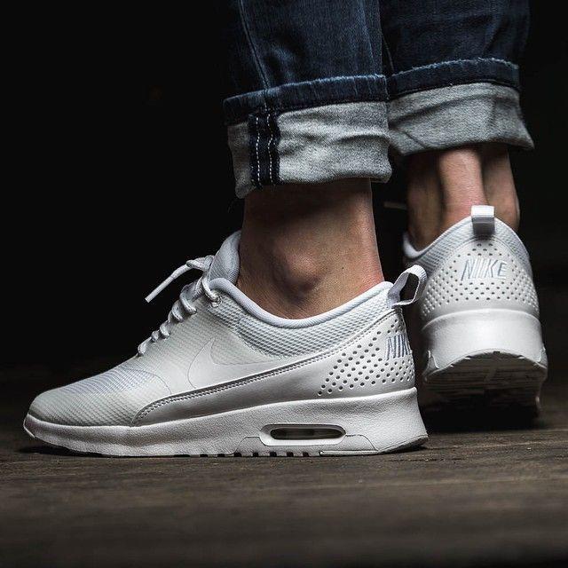 Nike Air Max W Thea Triples Mnm Blanches