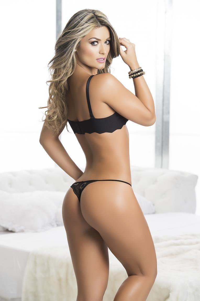 Lingerie model ass