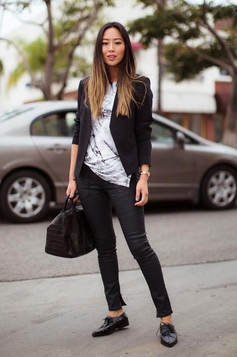 496003a241 Casual summer work outfit idea  a black blazer and skinny jeans