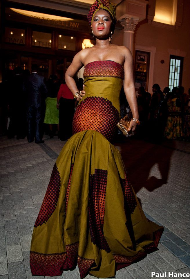 Stylish sierra leone fashionistas attends the green white for Out of africa style decorating