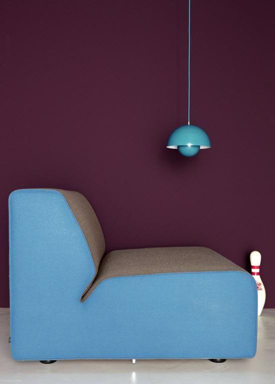 Schoner Kontrast Farblich Bedroom Wall Colors Creative Interiors Ideas Blue Velvet Chairs