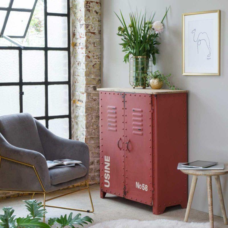 Buffet Industriel 17 Idees Pour Une Deco Esprit Loft En 2020 Buffet Industriel Mobilier De Salon Canape De Couleur