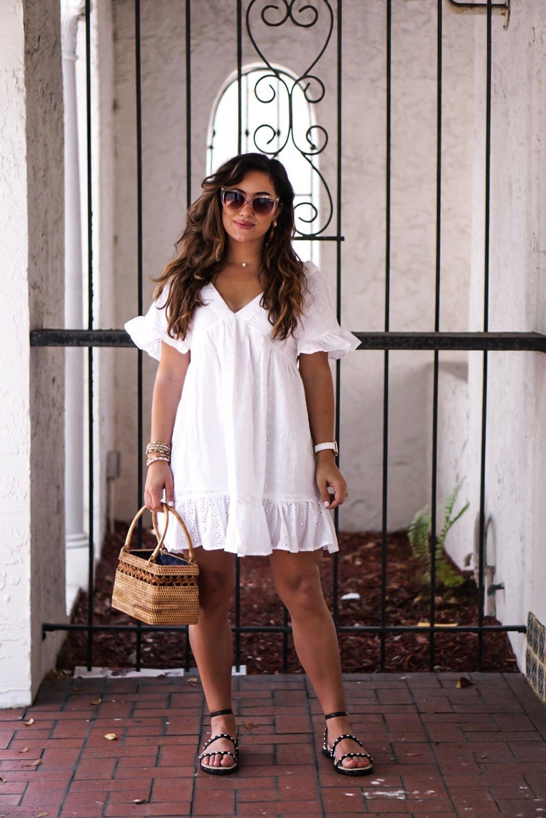 Affordable White Summer Sun Dress Outfit Krista Perez Of Sugar Love Chic Summer Dresses Curvy White Dress Summer Curvy Girl Outfits [ 1616 x 1080 Pixel ]