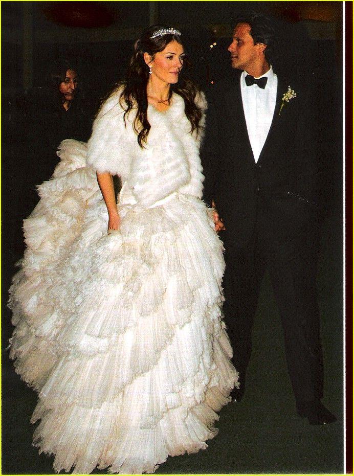 Liz Hurley X Arun Nayer Celebrity Wedding Dresses Celebrity Bride Celebrity Wedding Photos