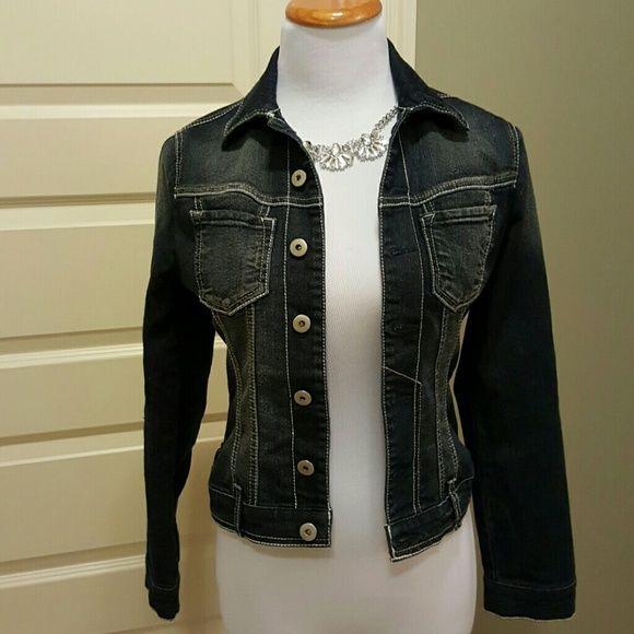 Paris blues jean jacket Dark wash denim jacket by Paris Blues. Super cute in excellent condition. Paris Blues Jackets & Coats Jean Jackets
