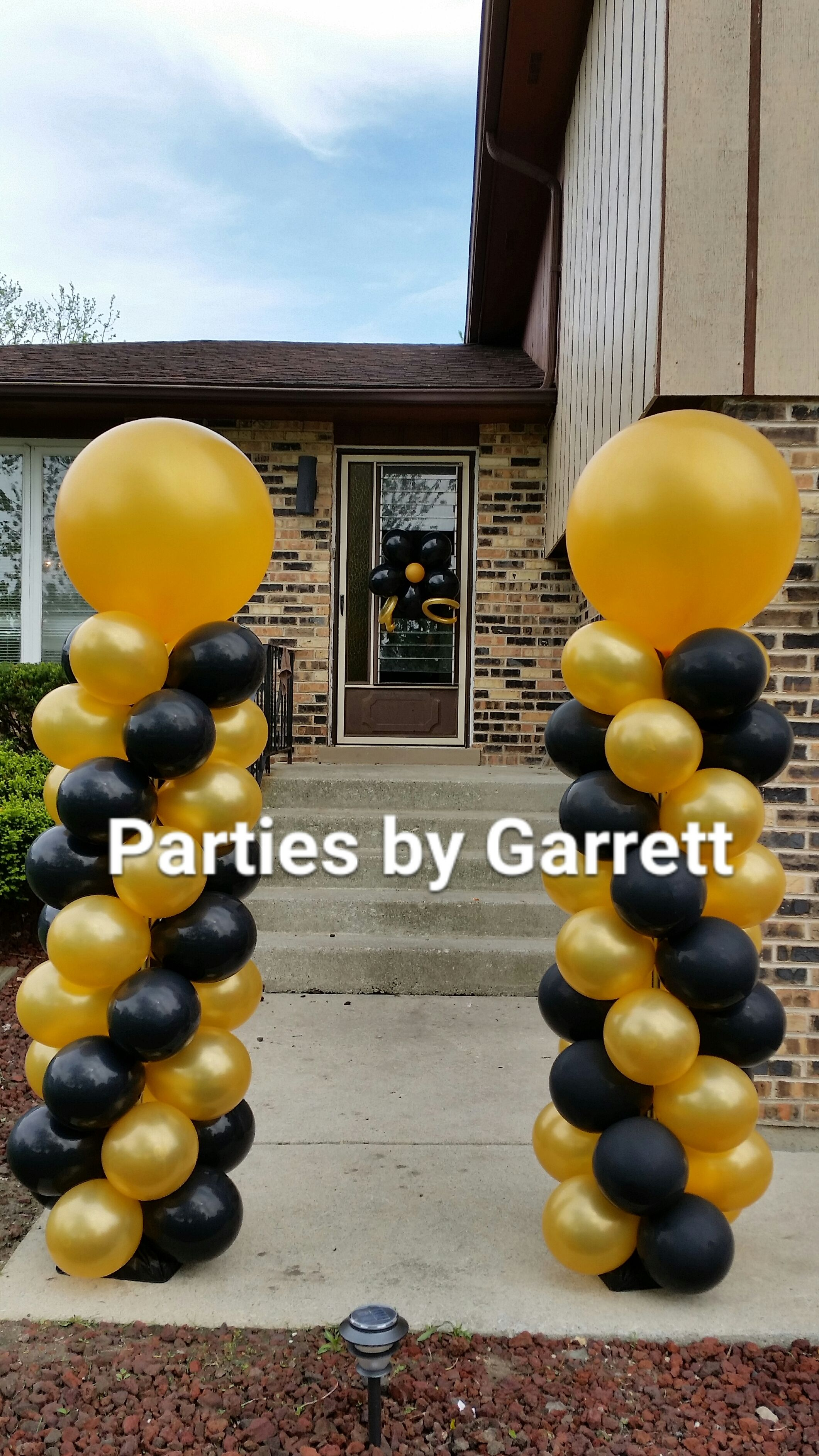 Black And Metallic Gold Classic Decor Twin Balloon