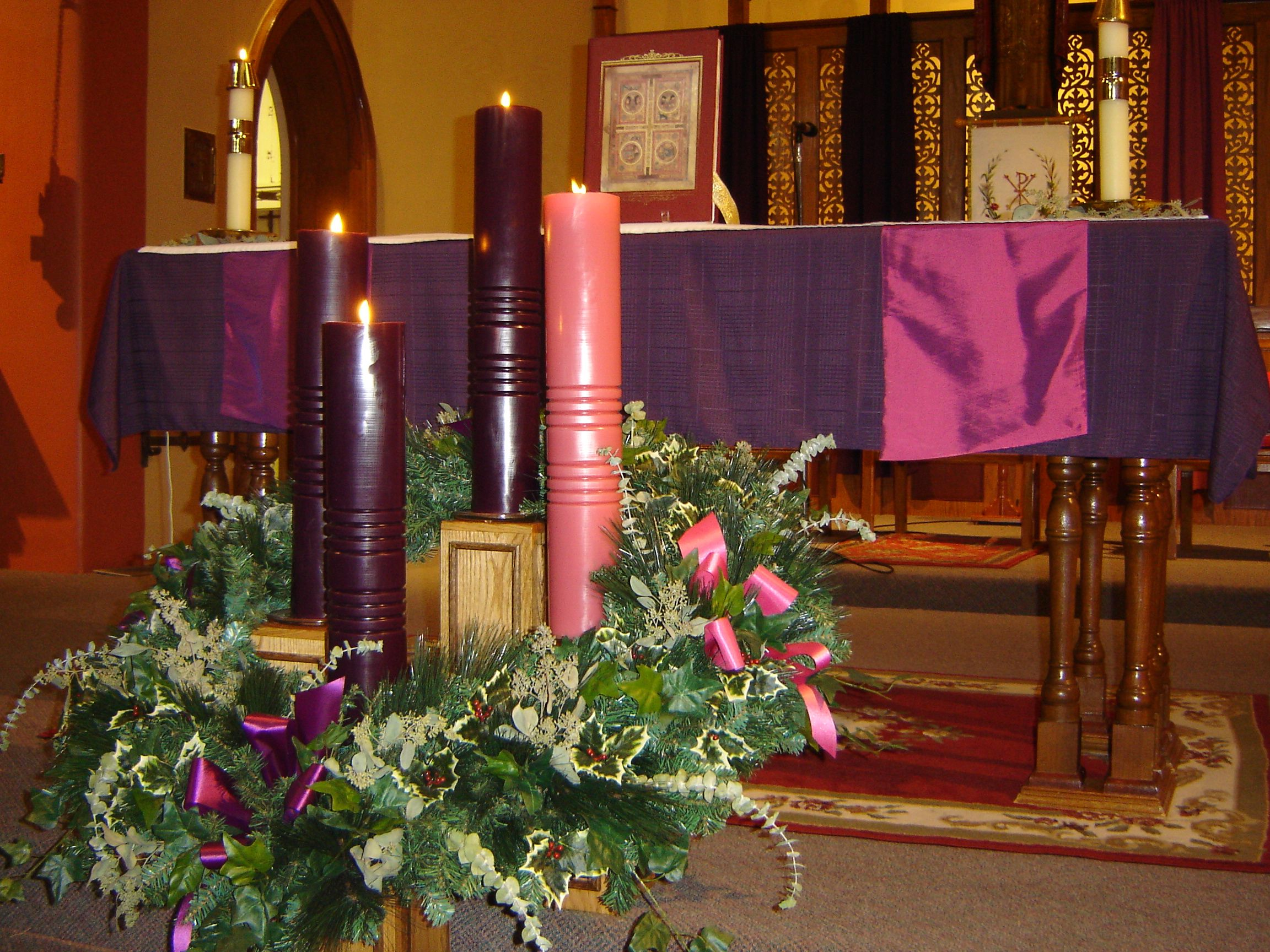 Advent church decorations bing images church for Christmas church decoration ideas