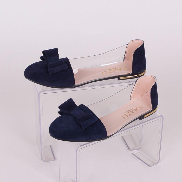 6b1c6c521f6 Дамски обувки в тъмносин цвят от еко велур, с прозрачен силикон ...
