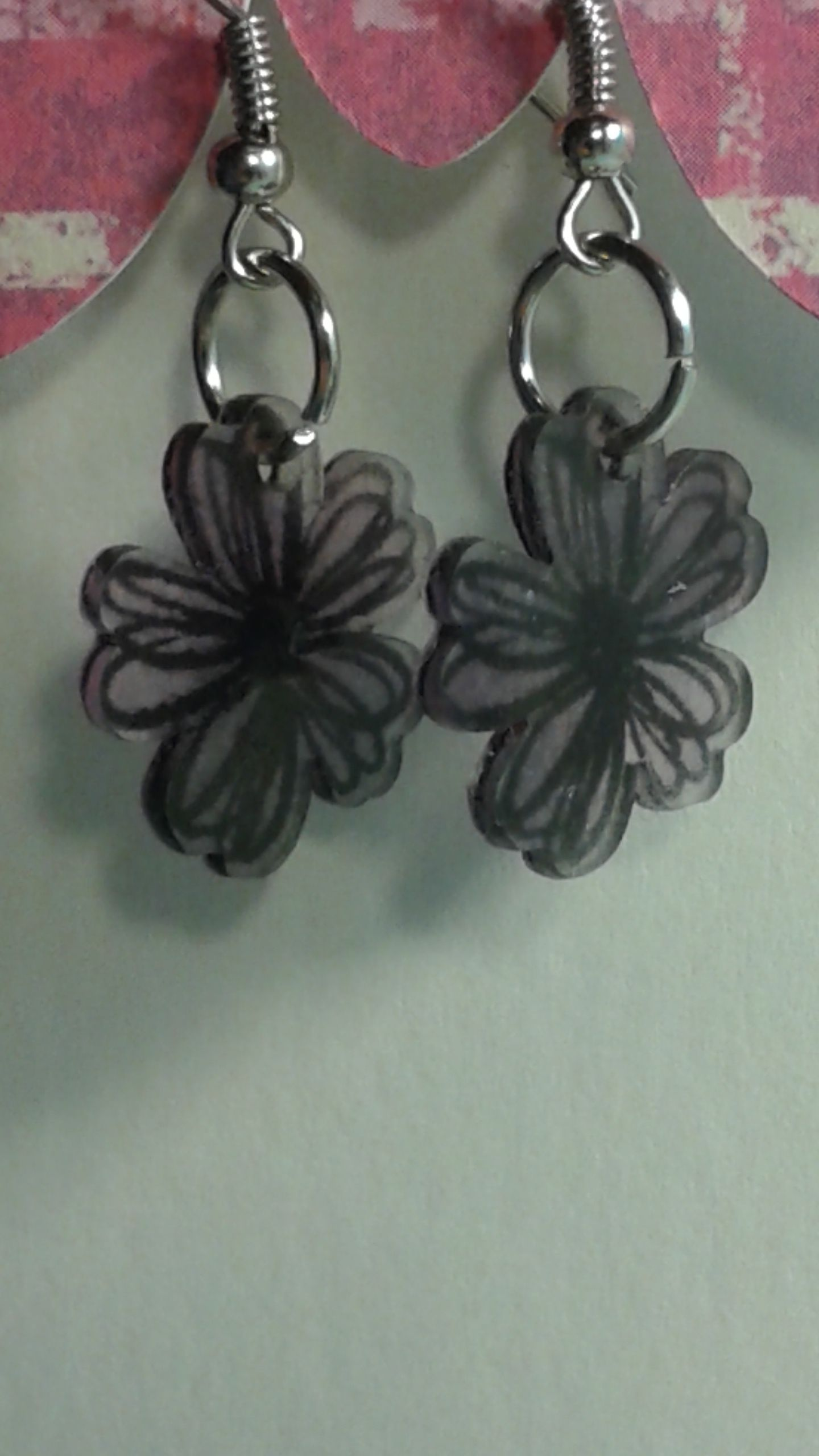 Here are an awesome pair of small earrings with a big punch! You can order these in any color you wish at no extra cost, that's right - FREE - !!  I have 168 colors, so just message me tell me what you would like, you can pick a color. I will e-mail you when I a done with your project. If you a...