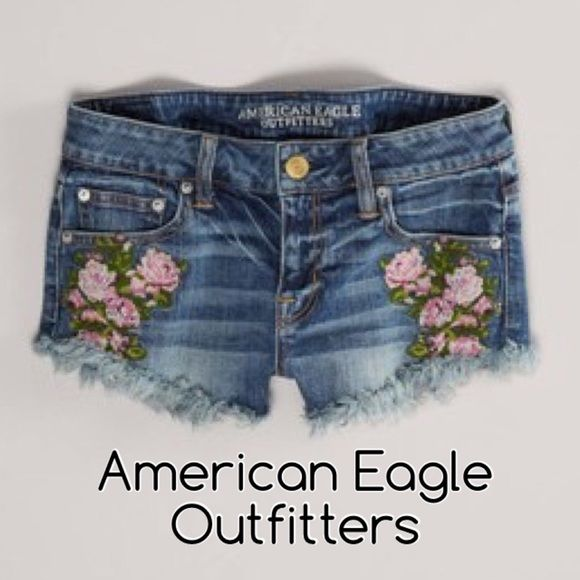 "AEO ROSE PATCH MID-RISE DENIM SHORTS FRAYED HEM Reposhing due to sizing issue. These indicates a size 4 (Small) but fits like a 6 (medium). Flat across measures 16.5"". Has stretch, medium wash, frayed hems, floral patch on front pockets & mid-rise. Conditions are excellent with no signs of wear. Super adorable! American Eagle Outfitters Jeans"