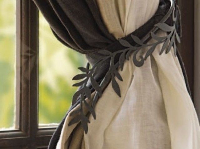 pomponnez vos rideaux embrase pompons et pr ciosit. Black Bedroom Furniture Sets. Home Design Ideas