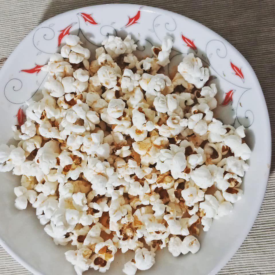 هناك اعتقاد شائع ان الفيشار ليس به سعرات او ان سعراته بسيطة لا داعي لحسابها وانه يمكن التسلية عليه اثناء الدايت كل Snack Recipes Food Snacks