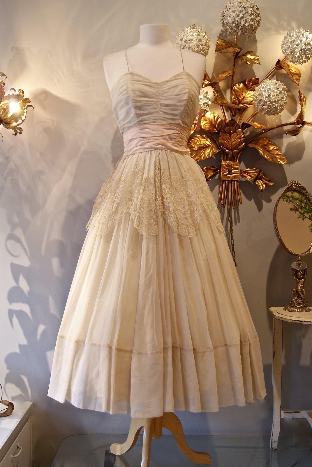 Best vintage wedding dress designers  DSCg   Fairy Skirts and Dresses  Pinterest