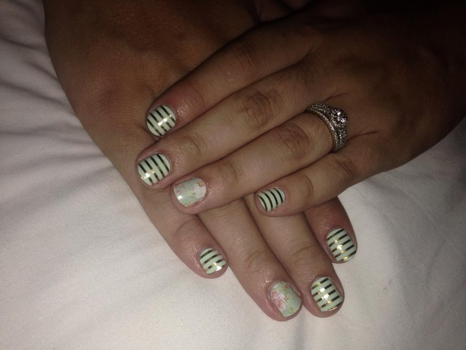 Mint and Gold Manicure #MintAndGoldHorizontalPinstripeJN #VintageChicJN #jamminwithalyssa #jamberrynails