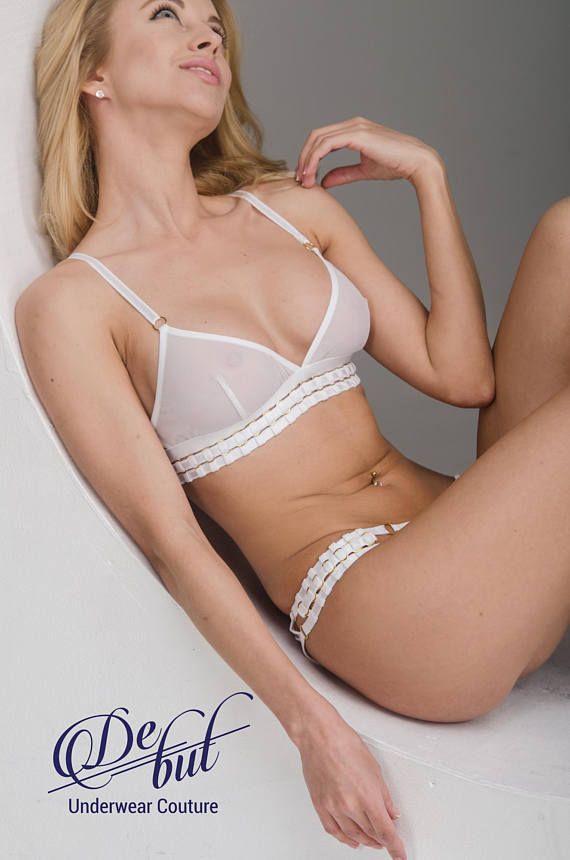 d8b63d18435 White mesh bra