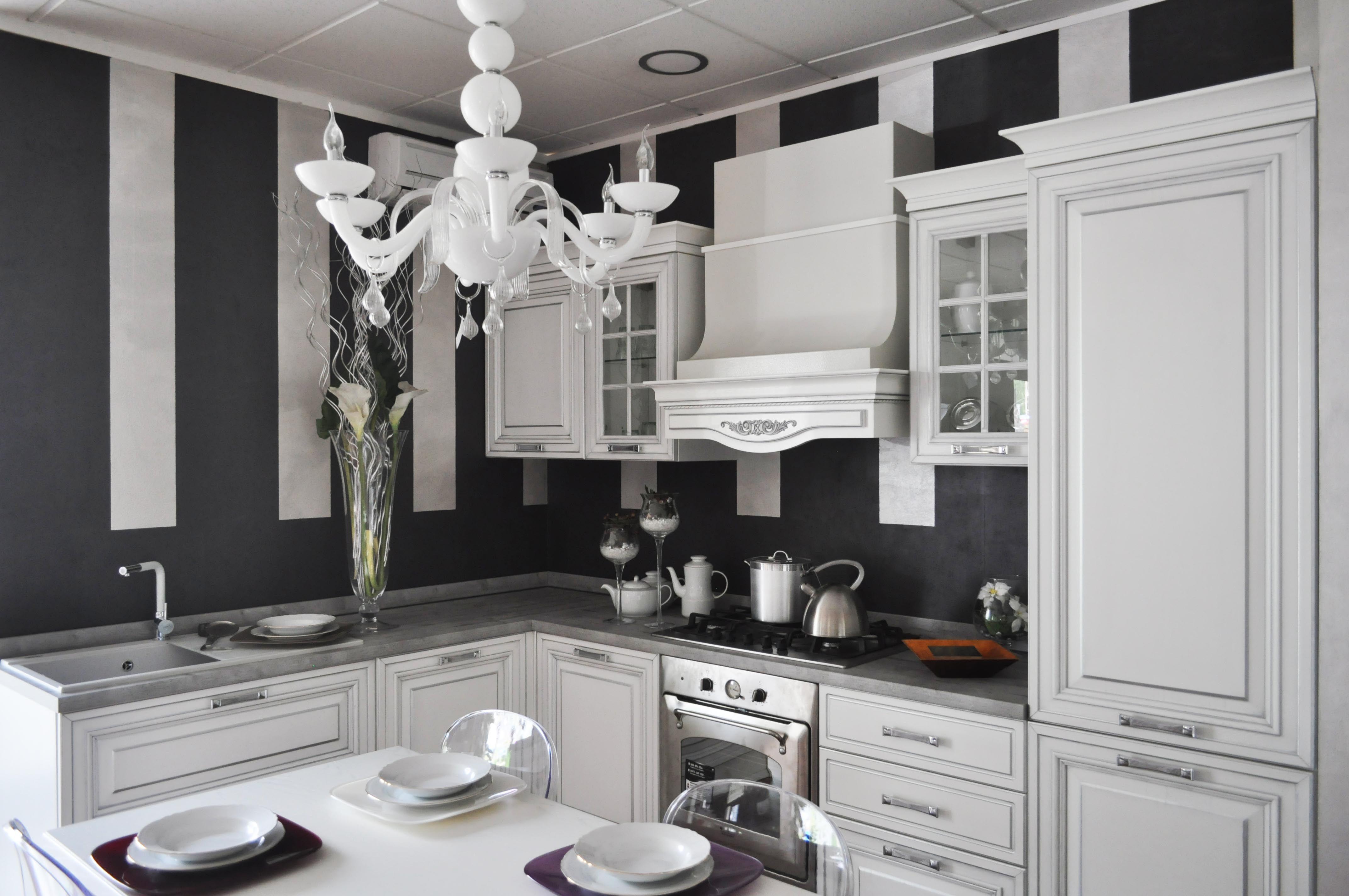 Cucina victoria by arredo 3 bianco arredamento for Cucine classiche arredo 3
