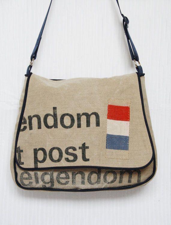 Schoudertas van originele oude PTT postzak - door kimminita, €135.00