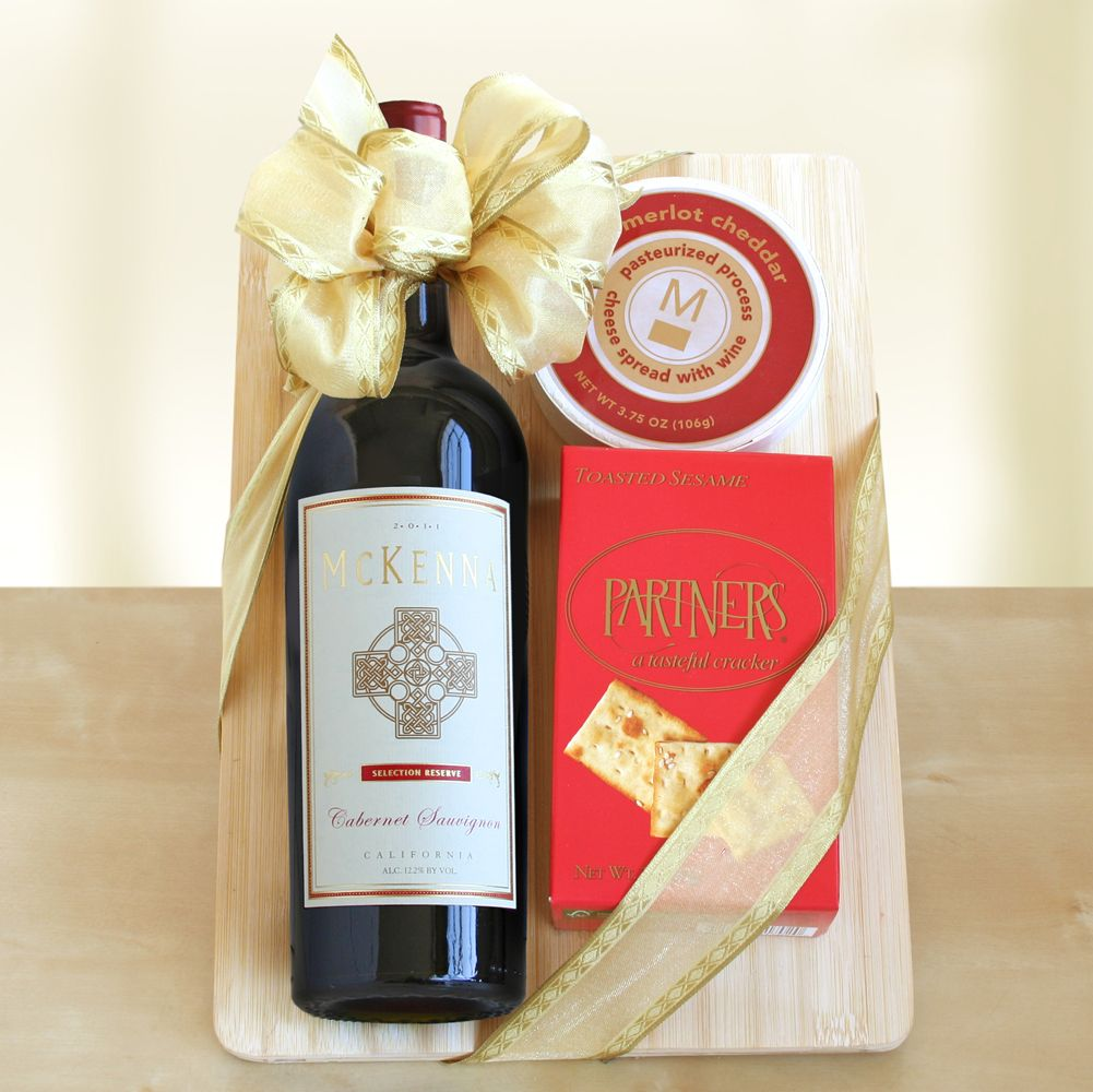 Wine Cheese Lover S Gift Set Wineshop At Home Cheese Lover Gifts Cheeseboard Gift Wine Gifts