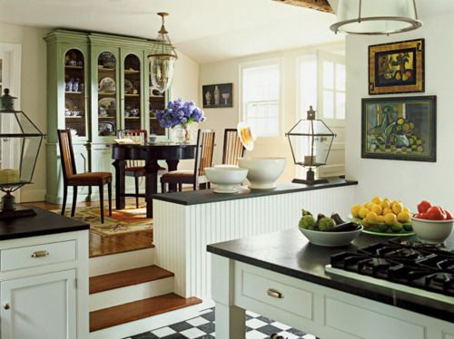 Love the step up into the dining room the stove on the Kitchen screensaver
