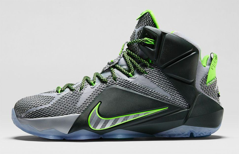 "Nike LeBron 12 ""Dunk Force"" November 11 @ am Nike Store"