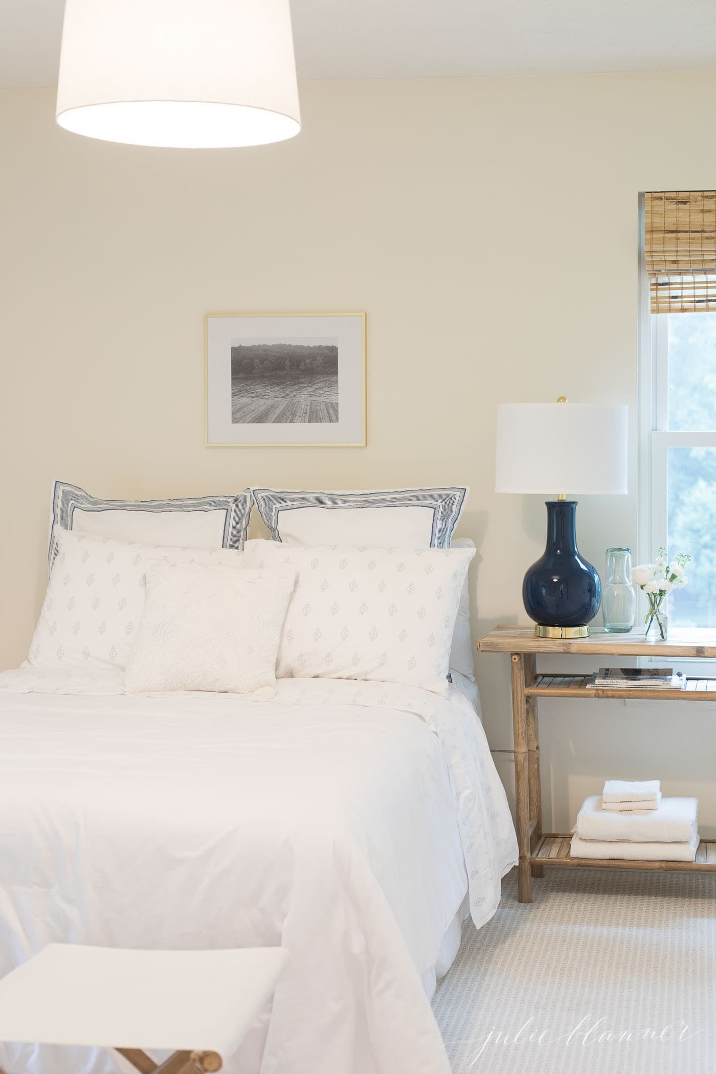 Small Bedroom Ideas that will help you maximize space ...