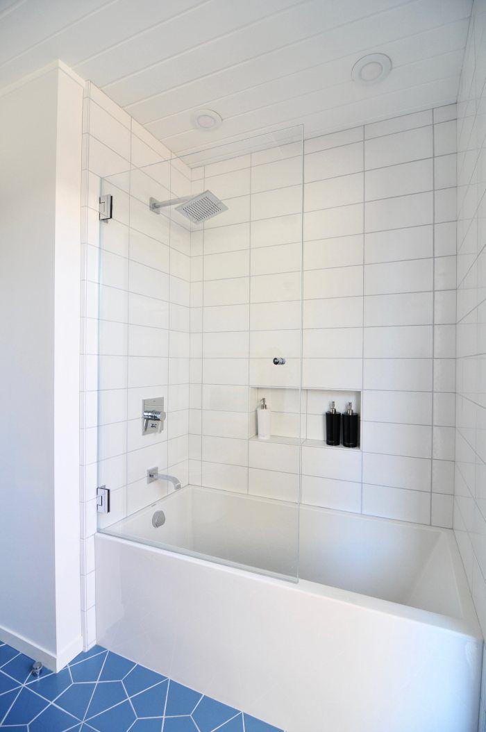 Bathtub With Half Glass Door