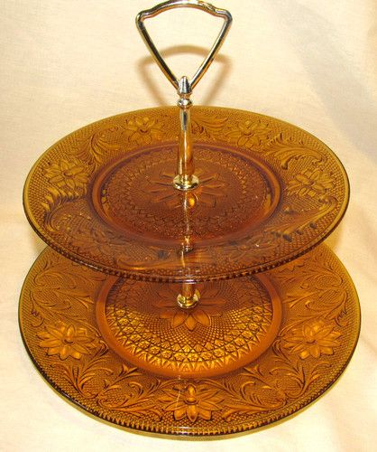 NEED Tiara amber, 2 tier tidbit tray