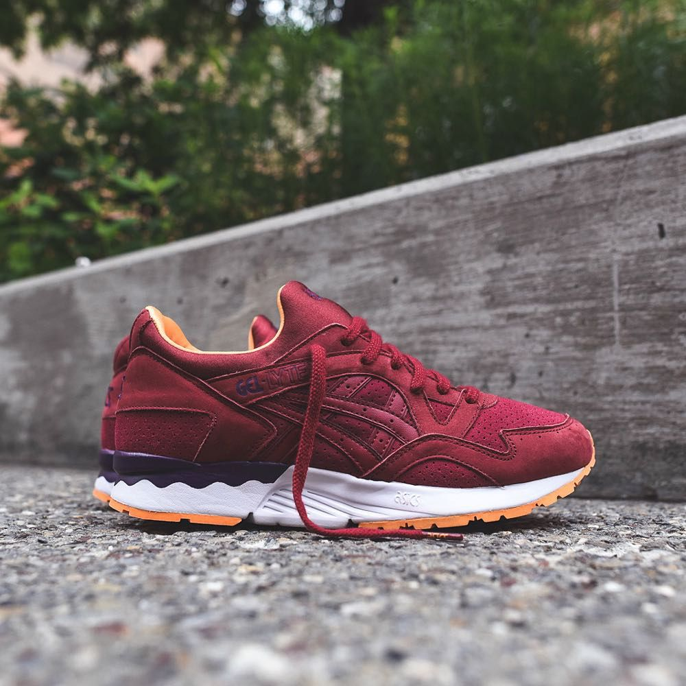 Athletic-footwear company @asicstigerusa rolls out its GEL-Lyte V  silhouette in