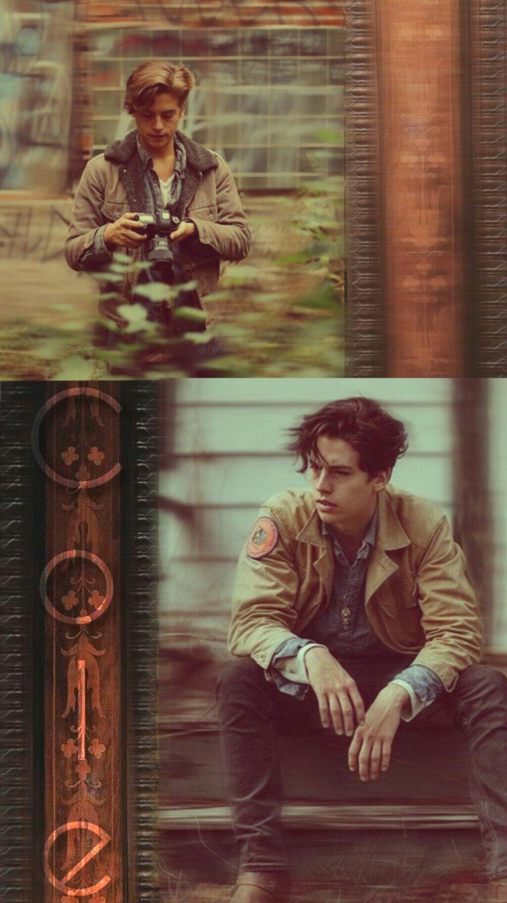 Cole Sprouse Wallpaper Brown Aesthetic Sfondi Per Telefono Cole Sprouse Attori