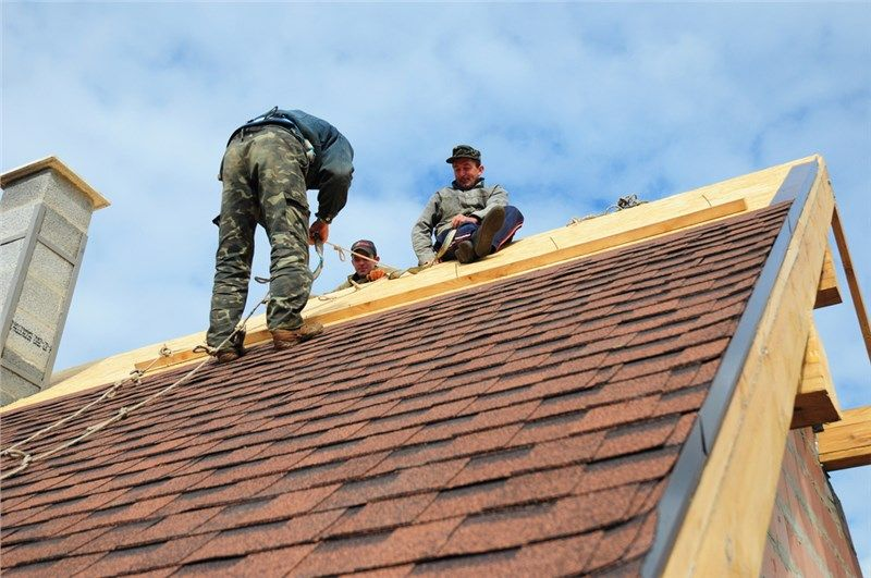 Roofing Companies Near Me What To Look For Before Choosing One Roofing Contractors Roofing Services Roofing Companies