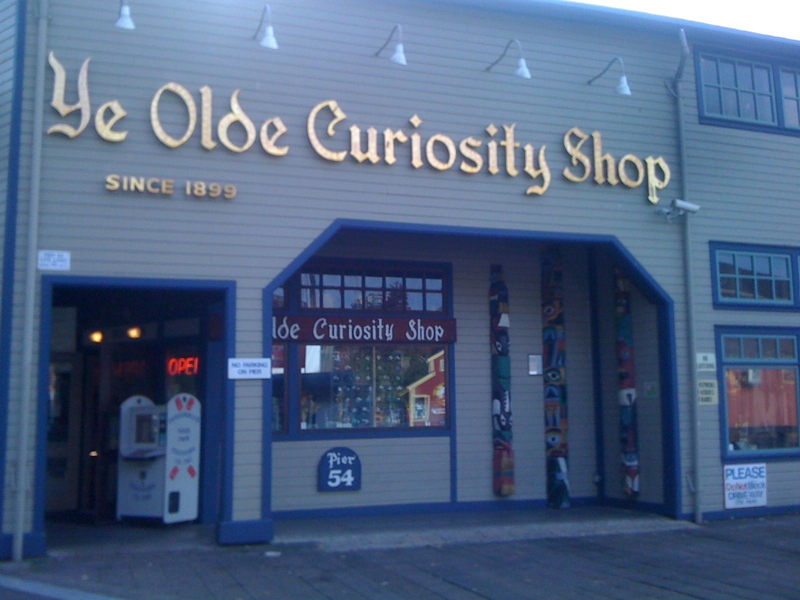 Ye Olde Curiosity Museum And In