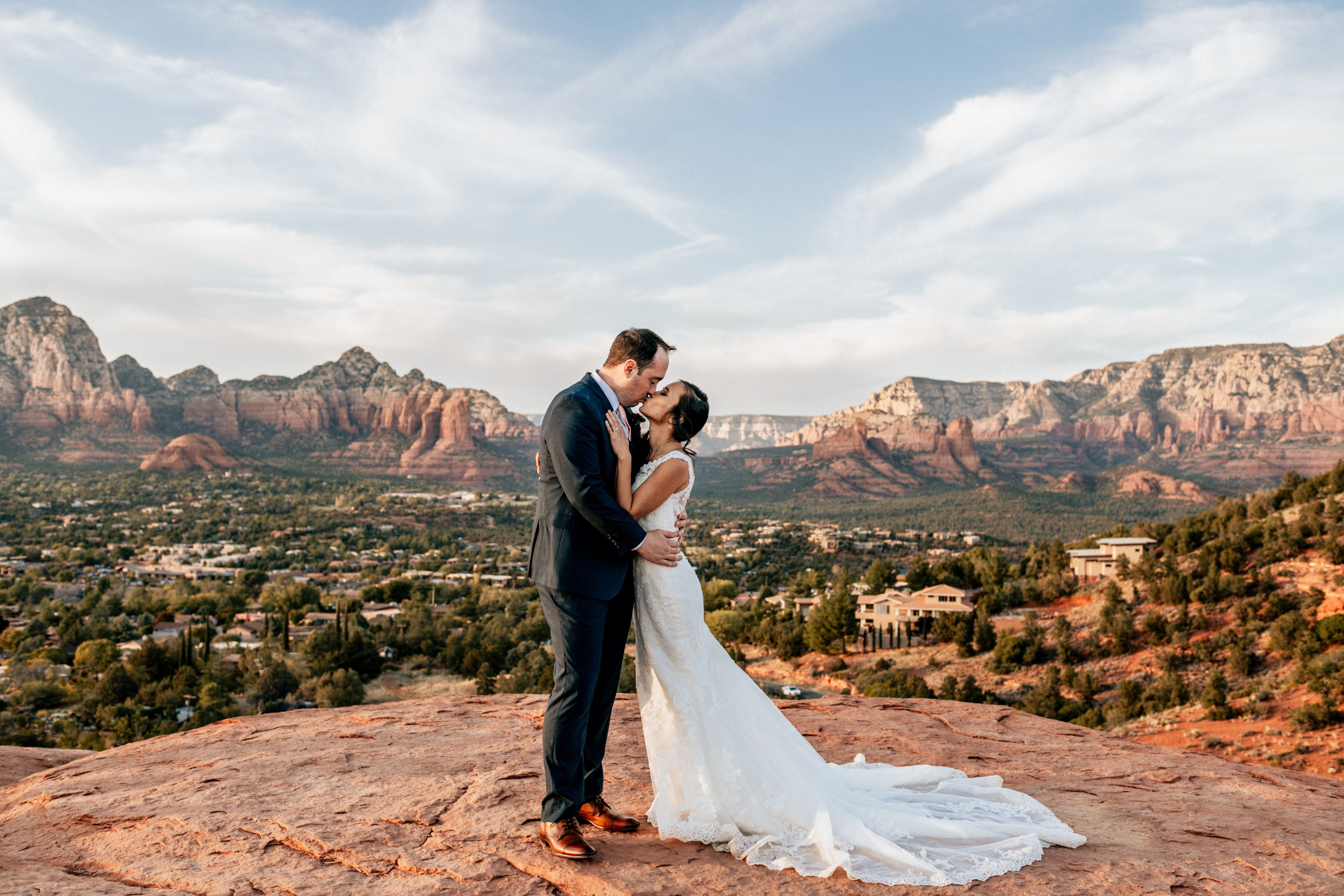Wedding Photo Inspiration In Sedona Arizona Hochzeitsfotografie Hochzeitsfoto Idee Hochzeitsfotos