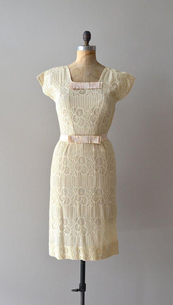 vintage 1950s dress   Basilica lace dress