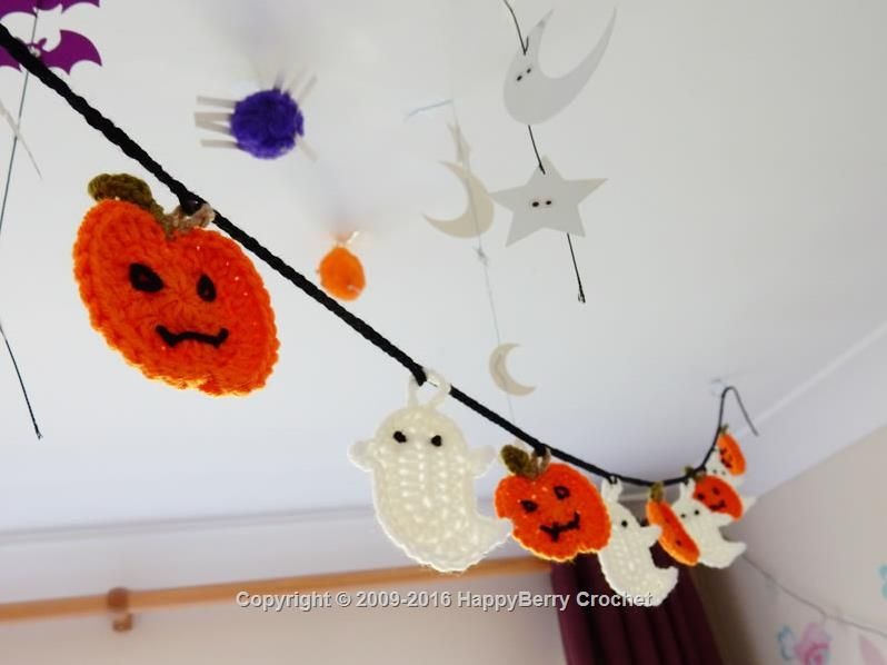 Ghost and Pumpkin Bunting to crochet - Free Pattern - from ...